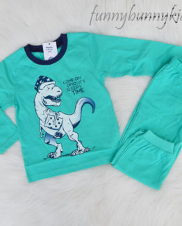 https://funnybunnykids.bg/wp-content/uploads/2018/05/пижама-за-момче-динозавър-синьозелено-с-сърлъг-ръкав-copy.jpg пижама за момче динозавър синьозелено с дълъг ръкав copy