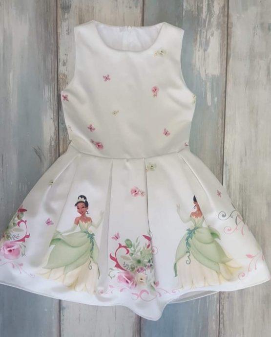 https://funnybunnykids.bg/wp-content/uploads/2019/03/официална-детска-рокля-с-принцеса-принцесата-и-жабока.jpg официална детска рокля с принцеса принцесата и жабока