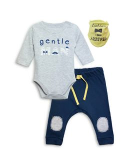 https://funnybunnykids.bg/wp-content/uploads/2019/03/53442032_638793569888617_5957351438936965120_o.jpg комплект за бебе момче от три части с надпис
