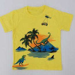 детска тениска в жълт цвят с динозаври момче