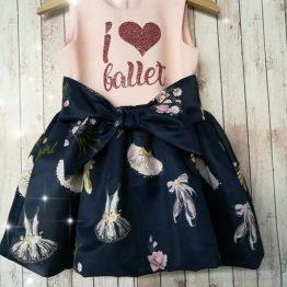 официална елегантна детска рокля за момиче с лек тюл и бухнала пола